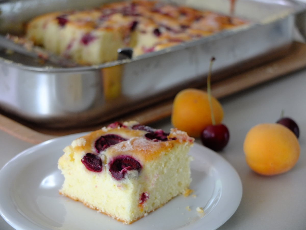 Fluffiger kirschkuchen for Kuchen unterschrank 150 cm